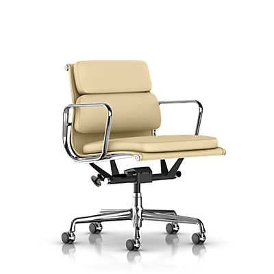 Picture of Eames Soft Pad Management Chair by Herman Miller
