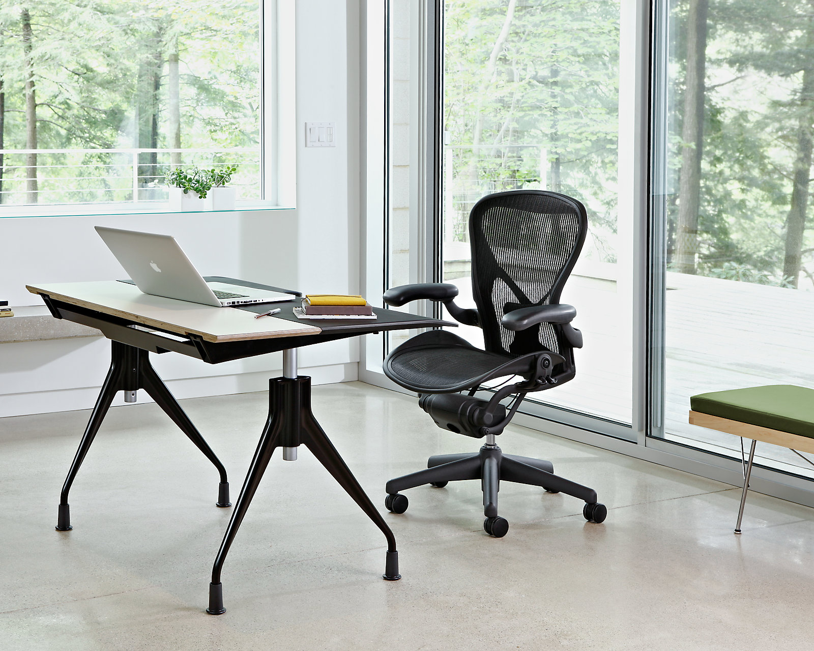 Good office chairs ergonomic - Aeron Chair Scene