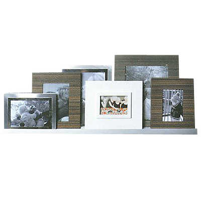 Picture of Floating Photo Rail