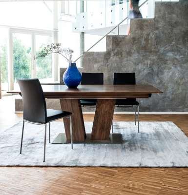 Skovby Dining Table SM 39 in Walnut