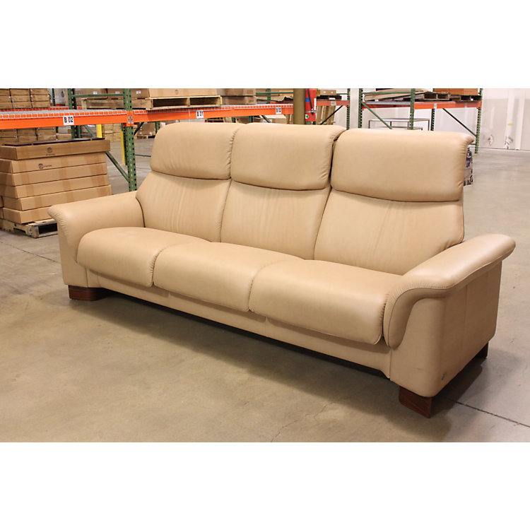Ekornes stressless floor sample sale smart furniture for Sand leather sofa