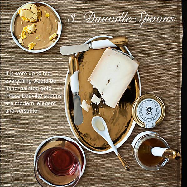 Amanda Gomes: Gift Guide